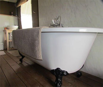 Glamping Roll Top Bath